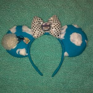 Up Minnie Mouse Ears